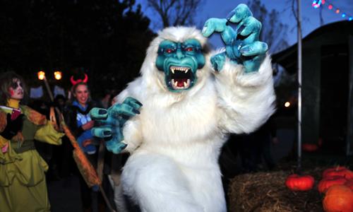 Walibi Belgium mascot - Yeti