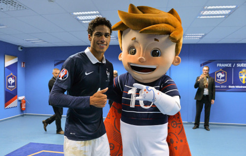 UEFA EURO 2016 mascot, Super Victor with Varane Football Mascots