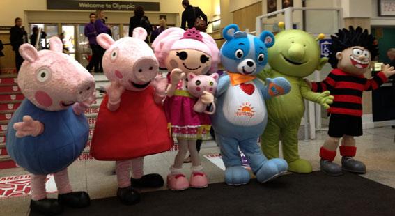 Group-Toy-Fair-entrance