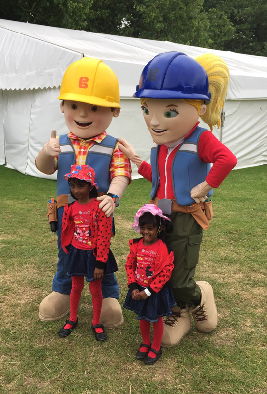 Bob the Builder & Wendy meet children