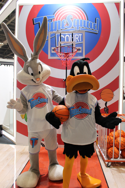 Bugs Bunny & Daffy Duck Costume Characters