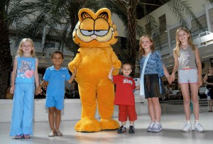 Garfield with children