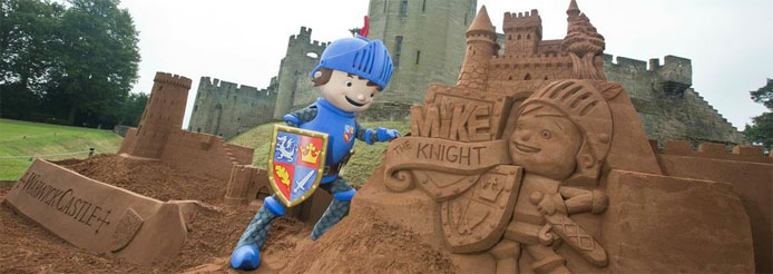 Mike the Knight in adventure mode at Warwick Catle