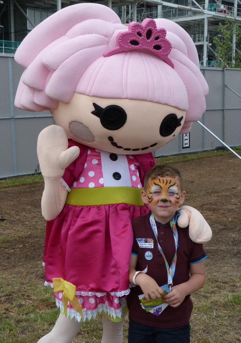Jewel Sparkles visits LolliBop Festival
