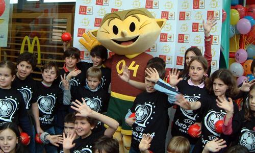 UEFA Euro 2004 - Kinas Football Mascot